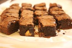 A legfinomabb brownie Brownies, Food And Drink, Cooking, Cake, Recipes, Tej, Advent, Cake Brownies, Kitchen