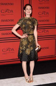 "Gala de Premios CFDA: ""Ellie Kemper, con un diseño de Naeem Khan."""