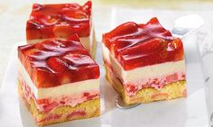 Apple Desserts, Health Desserts, No Bake Desserts, Delicious Cake Recipes, Yummy Cakes, Sweet Recipes, Strawberry Snacks, German Baking, Fall Cakes