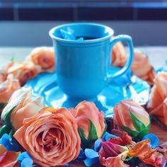 All you need is..tea, ta-ta-da-da-da! 😃🎼🧡💙😃🎹🧡💙😃🎼🧡💙#creative_cups #creative__cups #creative_florals #creative_lanalanephoto #9vaga_coffee9…