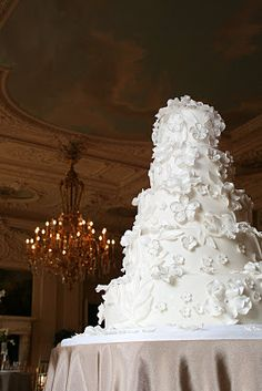 extravagant wedding cakes | Great (Cake) Expectations