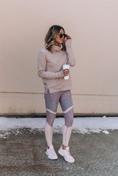 There's no doubt I wear activewear year-round. I practically live in it, to be honest. But there are a few key things I look for in my winter activewear that I'm not so picky about Winter Pullover Outfits, Winter Outfits, Casual Outfits, Cute Outfits, Fashion Outfits, Winter Clothes, Womens Fashion, Casual Athletic Outfits, Athletic Wear