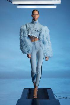 Get inspired and discover David Koma trunkshow! Shop the latest David Koma collection at Moda Operandi. Black Girl Fashion, Denim Fashion, Look Fashion, High Fashion, Jersey Fashion, Fashion Goth, Korean Fashion, Fashion 2020, Runway Fashion