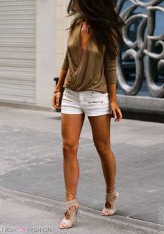 ♥ ℒℴvℯly white and khaki + nude shoes chic