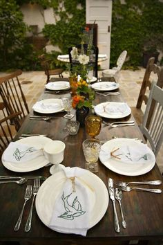 Rustic_Tables_and_Chairs
