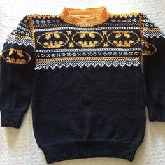 Bilderesultat for batman genser oppskrift Crotchet Patterns, Knitting Patterns, Knitting Projects, Mittens, Knitwear, Men Sweater, Crochet Hats, Superhero, Sewing