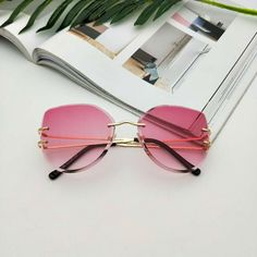 Transparent Sunglasses, Clear Sunglasses, Cute Sunglasses, Oversized Sunglasses, Mirrored Sunglasses, Lv Handbags, Handbags Michael Kors, Louis Vuitton Handbags, Look 80s