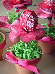 Tootsie Pop Lollipop Flower - Scrapbook.com