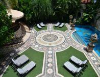 Visite de la maison de Gianni Versace qui vient de se vendre pour  41.5  millions   De la maison, Assassiné et Miami 08b039fc459