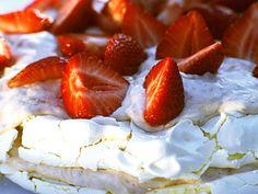 Sommarens enklaste jordgubbstårta