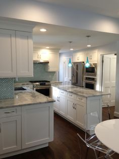 Superbe This Beautiful Kitchen Was Recently Remodeled By Majestic Kitchens And Bath  Designer Maria Tanzi.