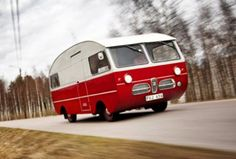 "These classic SAAB Husbil ""motor-homes"" are just too cute! Cool Campers, Happy Campers, Camper Caravan, Camper Van, Car Activities, Automobile, Motorcycle Manufacturers, Saab, Cool Vans"