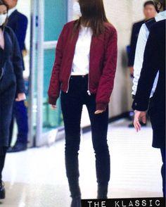 """""""#151105 #郑秀晶 #4walls ##krystaljung  jacket:@topshop  Topshop-Red Bomber Jacket $100"""""""