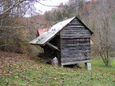 100 yr. old corn crib-Helton, Ky.