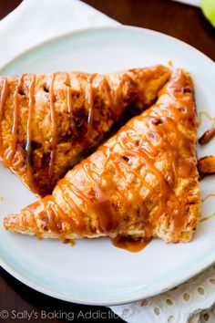 Caramel Apple Turnovers in less than an hour. Easier than I ever thought!   sallysbakingaddiction.com