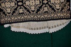 Folk Embroidery, Moldova, Textiles, Costumes, Blouse, Dress Up Clothes, Fancy Dress, Blouses, Fabrics