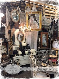 **My Desert Cottage**: Sweet Salvage- Rustic Remains Rustic Halloween, Halloween Inspo, Halloween Displays, Halloween Home Decor, Outdoor Halloween, Halloween Horror, Holidays Halloween, Halloween Crafts, Halloween Decorations