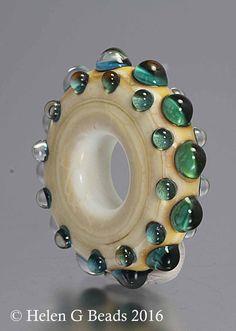 Bumpy Lampwork Ring vagy kerék Gyöngyvirág elefántcsont zöld és kék