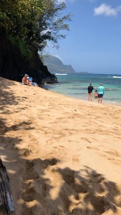 pear.life on Instagram: Secret Beach in Kauai • • • 🐚🗺🌊🍐🌊🗺🐚 • • • #secretbeach #hawaiistagram #hawaiilife #kauaihawaii #kauai #beachlifestyle #beachliving Hawaii Life, Kauai Hawaii, Summer Travel, Travel With Kids, Places To Travel, Travel Destinations, Travel Capsule, Travel Wardrobe, Cheap Travel