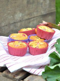 vanilla-rhubarb muffins