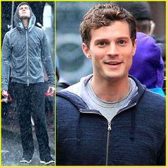 Jamie Dornan Runs in the Rain for 'Fifty Shades of Grey'!