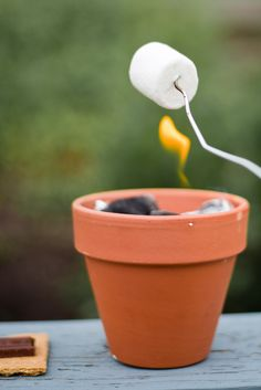 bella: Rained Out + DIY S'more Pot