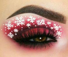 Creative And Gorgeous Christmas Makeup Ideas For The Big Holiday; Christmas Makeup Looks; Holiday Makeup Looks; Red Eye Makeup, Colorful Eye Makeup, Cute Makeup, Eyeshadow Makeup, Awesome Makeup, Eyeliner, Exotic Makeup, Green Makeup, Gorgeous Makeup