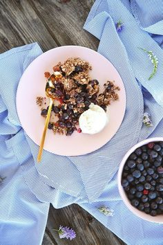 Wild Saskatoon Berry Crumble is a simple recipe with a wholesome, plant based spin. Free of dairy, gluten and refined sugar and bursting with berry flavour! Microwave Recipes, Clean Recipes, Real Food Recipes, Free Recipes, Saskatoon Berry Recipe, Delicious Desserts, Yummy Food, Berry Crumble, Crumble Recipe