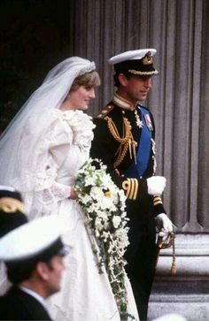 Diana, Princess of Wales and Prince Charles emerge from St. Paul's Cathedral after their wedding July 1981 in London, England. Get premium, high resolution news photos at Getty Images Prince Charles Wedding, Charles And Diana Wedding, Princess Diana Wedding, Prince Charles And Diana, Prince And Princess, Princess Of Wales, Royal Princess, Prince Harry, Lady Diana Spencer