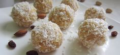 rafaello z kaszy jaglanej z mlekiem kokosowym Healthy Treats, Healthy Recipes, Healthy Food, Something Sweet, Sweet Life, Food Inspiration, Cereal, Sweets, Cookies