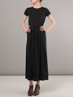 what i'd give to own this exact dress. maybe if the sleeves were either a tad shorter, like cap sleeve, or a tad longer...