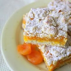apricot bars - mmm, gotta make these GF & vegan Apricot Slice, Apricot Bars, Just Desserts, Delicious Desserts, Dessert Recipes, Yummy Food, Dessert Ideas, Apricot Recipes, Sweet Recipes