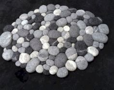 nice 55 Magnificent DIY Felt Stone Rug to Stand Out Your Home https://homedecort.com/2017/04/55-magnificent-diy-felt-stone-rug-stand-homedecort/