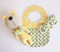 We love to create cute things for little cuties. 🍍😍#lemondreamz #handmade #handcrafted #plustoy #softtoy #toy #toys #kidstoys #kidstoy #babytoys #babytoy #babyshowergift #babyaccessories #teether #bunnyears #supportgreekdesigners #shopsmall #supportlocal #madeinathens #newborn
