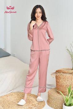 Girls Fashion Clothes, Fashion Dresses, Clothes For Women, Dress Design Patterns, Cute Maternity Dresses, Pijamas Women, Night Dress For Women, Nighties, Korean Girl Fashion