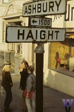 Haight-Ashbury - San Francisco, CA. The Haight-Ashbury district is noted for its role as a center of the hippie movement. Hippie Woodstock, Woodstock Hippies, Woodstock Music, Lac Tahoe, Haight Ashbury, Hippie Movement, San Fransisco, California Dreamin', Northern California