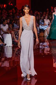 Elie Saab Haute Couture fashion show Elie Saab Couture, Haute Couture Gowns, Couture Fashion, Runway Fashion, Couture Dresses, Evening Gowns Couture, Style Fête, Robes Elie Saab, Elie Saab Fall