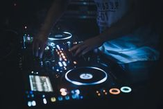 Party Playlist, Spotify Playlist, Dj Party, Live Set, Future Jobs, Aesthetic Photo, House Party, Dream Life, Night Club