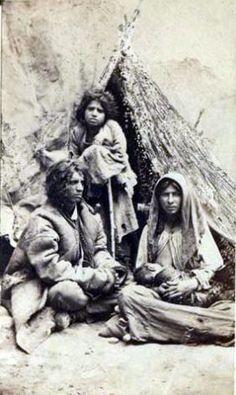 Familie de ţigani cu doi copii - Slavery in Romania - Wikipedia, the free encyclopedia