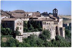 San Gemini (TR). Veduta parziale delle mura medioevali