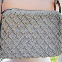 """cute! tan triangle knit straw basketweave like purse with brown tortoise shell sides handbag purse; short to medium strap; zipper closure; very clean; beige cloth lining  Designer: vintage Material: fabric, acrylic  Size:    8"""" x 6""""; strap total 20"""" Condition: Great Vintage Condition  Addi... Crochet Handbags, Vintage Handbags, Tortoise Shell, Indie Brands, Basket Weaving, Knit Crochet, Triangle, Closure, Beige"""