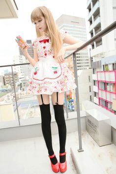 Definitely not lolita, this is either a maid outfit or a cosplay. Lolitas NEVER show that much leg. Estilo Harajuku, Harajuku Mode, Harajuku Girls, Harajuku Fashion, Kawaii Fashion, Lolita Fashion, Cute Fashion, Asian Fashion, Girl Fashion