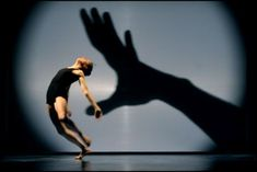 ECJ- Dido dance with the light/ the hand of fate? tableaux of the past in shadow? Le Vent Se Leve, Dance Wallpaper, Shadow Theatre, International Dance, Dance Project, Shadow Art, Modern Dance, Modern Contemporary Dance, Light Design