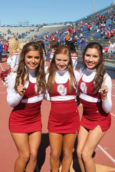 College Cheerleading, Cheerleading Pictures, Football Cheerleaders, Ncaa College, Oklahoma Sooners Football, Cute Cheer Pictures, Cheer Poses, Navy Blue Cocktail Dress, Female Volleyball Players