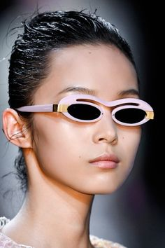 9 Quirky-Amazing Sunglasses from the Spring Runways