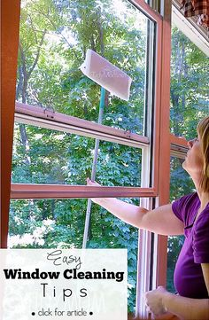 Easy Window Cleaning Tip at TidyMom.net
