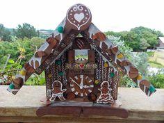 "Artesanato Opa's Haus: Relógio de madeira ""Gingerbread"" do Opa's Haus"