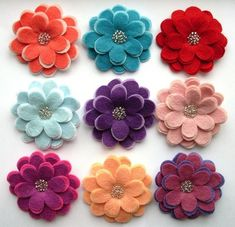 Felt Flowers - these are adorable!