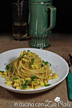 spaghetti orata e curry Curry, Zia, Light In, Food Website, Linguine, Spaghetti, Favorite Recipes, Ethnic Recipes, Al Dente
