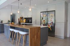 Ideas For Breakfast Bar Kitchen Design Stools Kitchen Living, New Kitchen, Kitchen Island, Island Bar, Kitchen Grey, Shaker Kitchen, Kitchen Corner, Living Rooms, Kitchen Interior